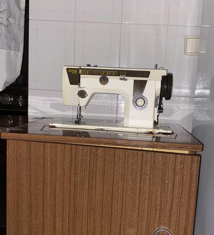Máquina de costura Oliva NEGOCIÁVEL