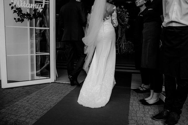 Suknia ślubna, krój: rybka / syrena