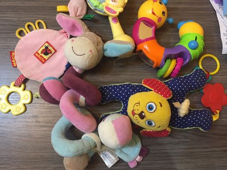 Игрушки,игрушка на присоске