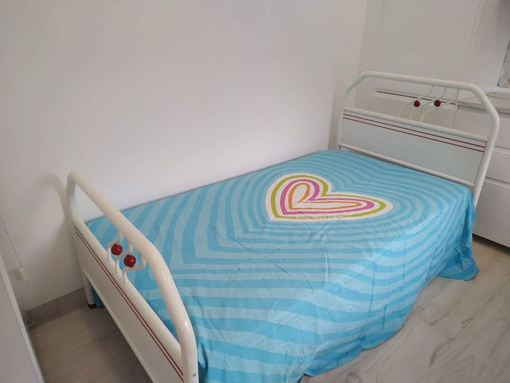 Mobilia de quarto completa (solteiro) - 160€