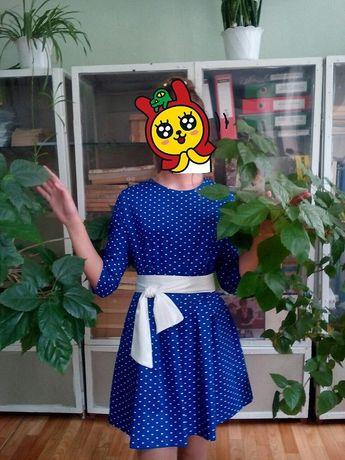 Подростковое нарядное платье в сердечко