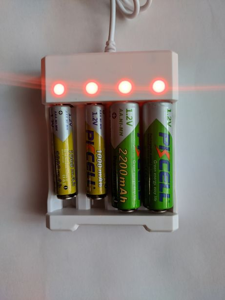 Зарядное устройство AA / AAA Ni-Mh Ni-Cd аккумуляторных батареек