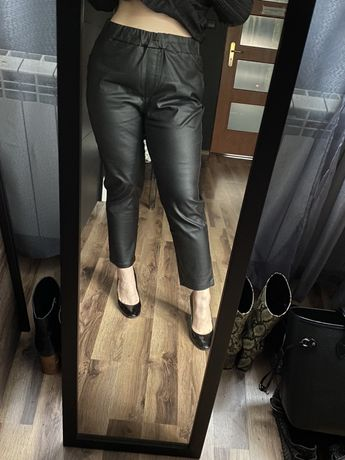 Eleganckie spodnie woskowane xl gumkę lateksowe latexowe latex lateks