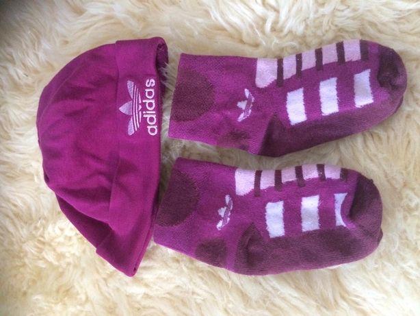 Оригинальный наборчик шапочка и носки до 2 лет