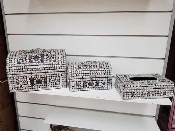 Baú guarda-jóias e porta lenços de papel de fabrico artesanal