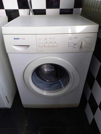 Máquina Roupa, máquina loiça, frigorífico e fogão