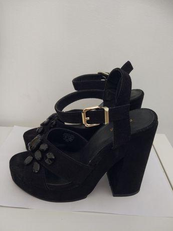 Sandálias sapatos pretos Pull and bear