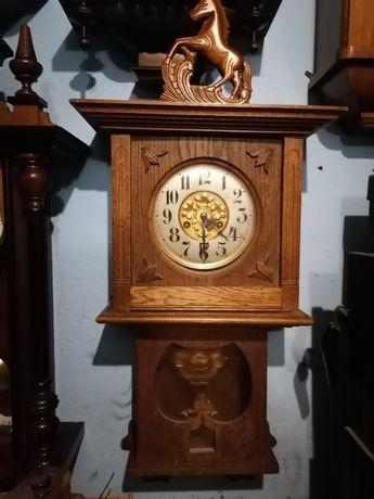 Zegar ścienny nakręcany
