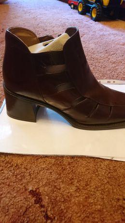 Ботинки ,новые ,очень удобные, кожанные ,41 р.