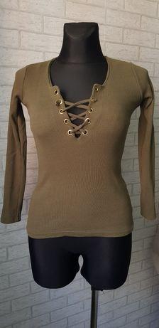Sweterek w prążek khaki
