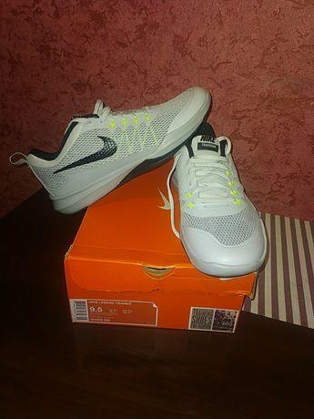 Nike legend trainer 43