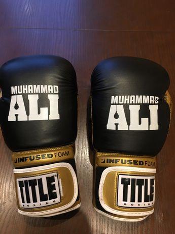 Боксерские перчатки TITLE 12унц