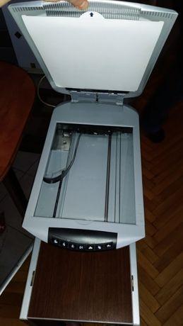Продам Сканер Canon CanoScan 4400F оригинал с США