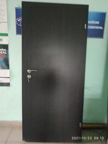 Дверь офисная в полном комплекте