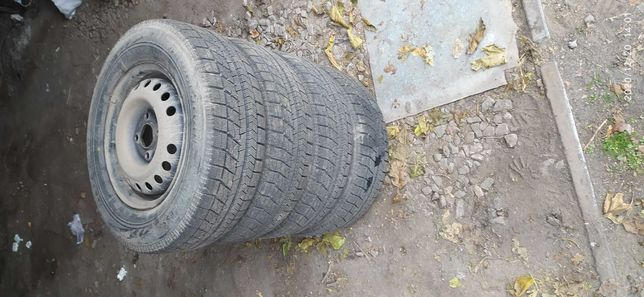 Резина Bridgestone зимняя 175/70 R13 ланос/сенс/опель