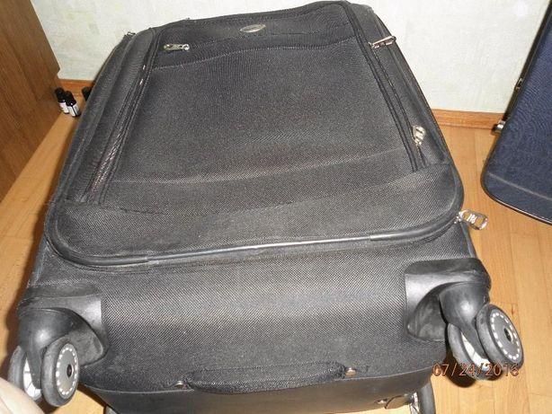 чемодан фірмовий