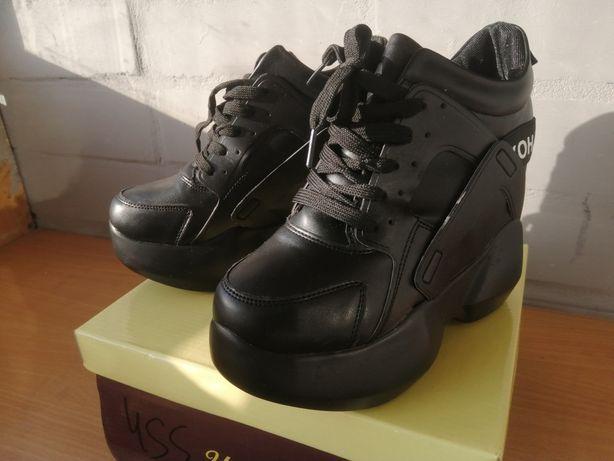 Новые Ботильены ботинки крутые