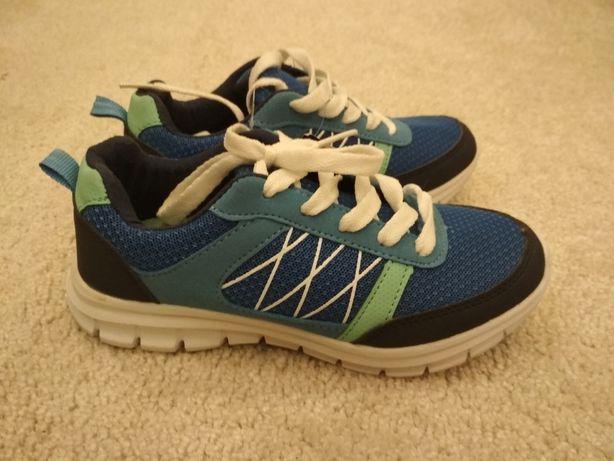 Новые кроссовки 19,5 см стелька