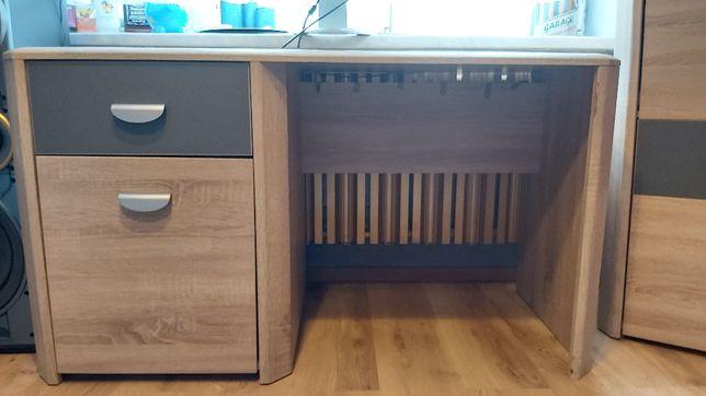 Używane biurko z szafką i szufladą