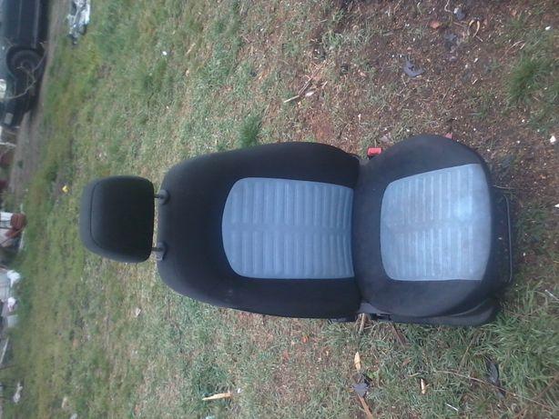 Fotele Komplet Fiat Grande Punto 2006r. 5 Drzwi
