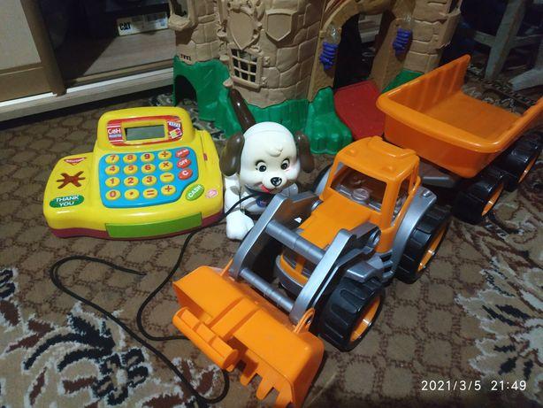 Огромнейший лот игрушек кассовый аппарат ,машины ,трактор с прицепом