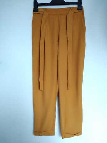 Spodnie damskie wiosenne xs/s musztardowe pull&bear