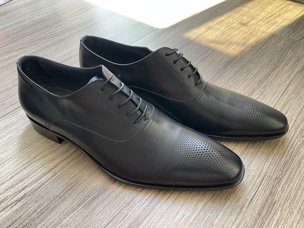 Sapatos pretos Hugo Boss Tam 43