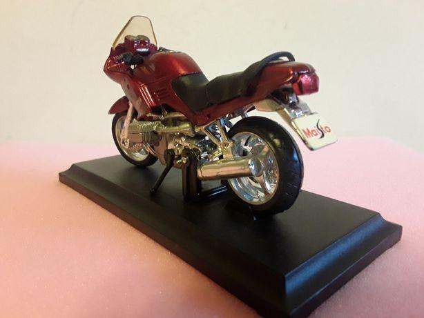 Модель мотоцикла 1:18 (Maisto)
