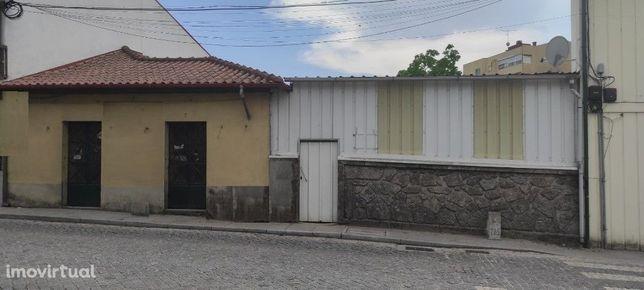 Moradia p/ Restauro - Amares