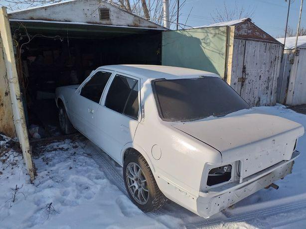 Продам автомобиль Mazda 626 2-го поколения на запчасти