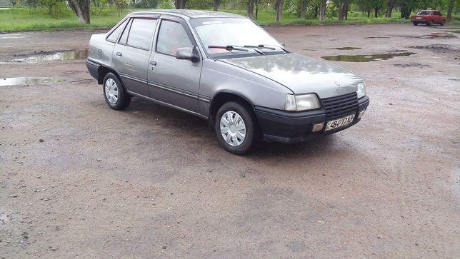 Продам Opel Kadett  на газу