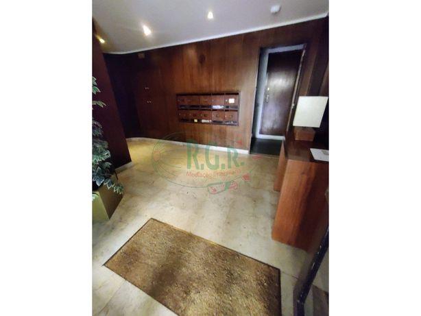 Apartamento T3 - Excelente localização - Hosp. CUF