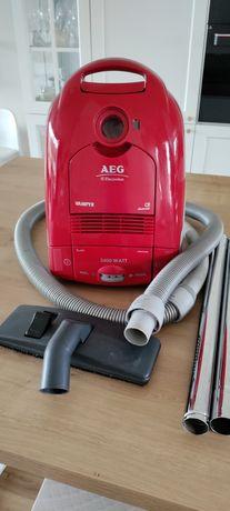 Bardzo mocny odkurzacz AEG/ELECTROLUX VAMPYR o mocy 2400W. Polecam!!!