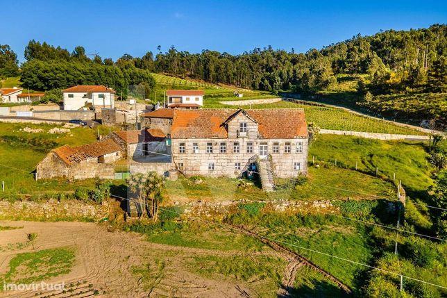 Quinta histórica com mais de 200 anos   a 30 minutos do Porto   11.463