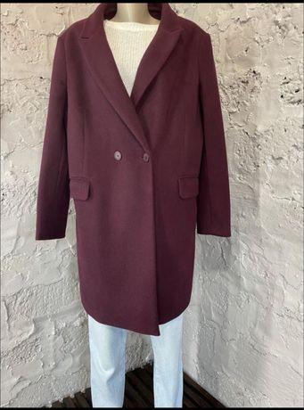 Стильно пальто двубортное
