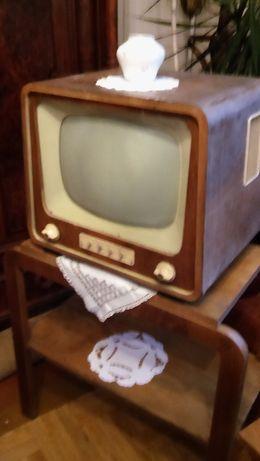 Komoda plus antyczny telewizor Szmaragd 902