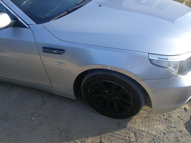 BMW e60 Błotnik prawy Titansilber