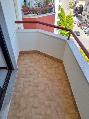 Apartamento T3 em Tomar c/garagem