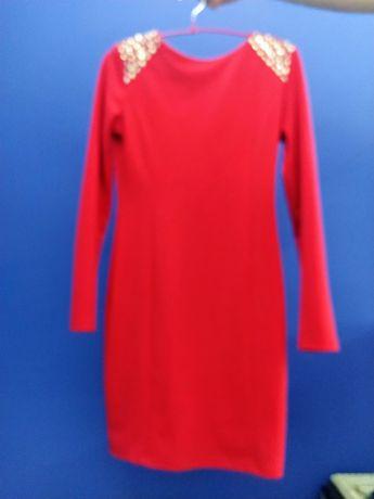 Сукня червона з замочком на спинці