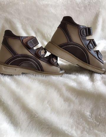 Ортопедичне взуття/ортопедическая обувь
