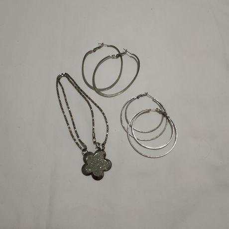 Набор украшений ( сережки и кулон)