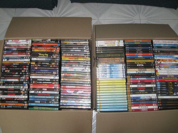 Colecção de DVDs e CDs 184 Unidades