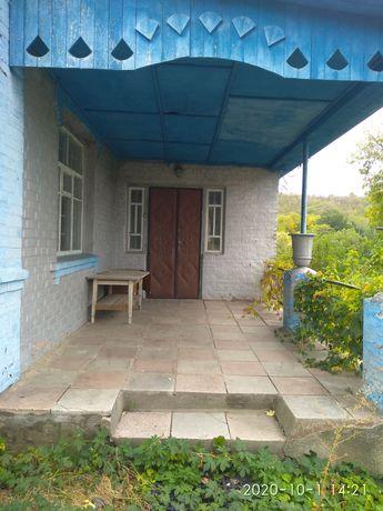 Продається будинок у смт. Єрки