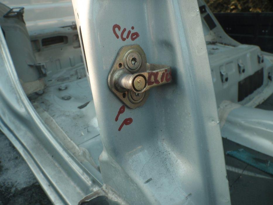 rygiel zaczep zamka drzwi renault clio thalia modus kangoo dużo części Otwock - image 1