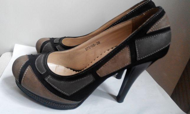 Красивые и удобные туфли из эко-замши на каблуке (2 пары).