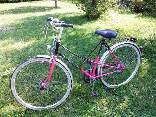 Rower kobiecy (mało atrakcyjny dla złodzieja :)