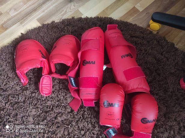 Накладки для занять з карате