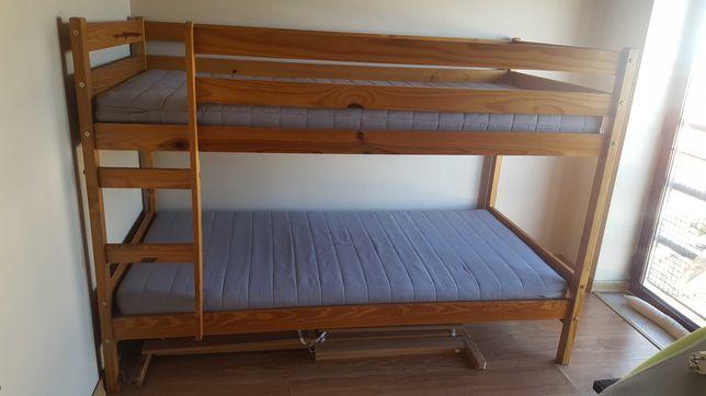Beliche de madeira e colchões IKEA ótimo estado