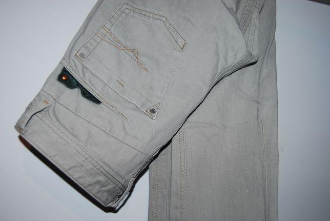 Męskie spodnie dżinsowe Diesel Darron W31L34 pas 42/dł.110