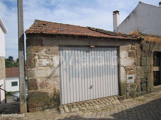 Garagem 24 Capinha Fundão
